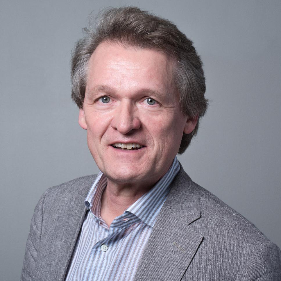 Dr. Magnus Breidne教授